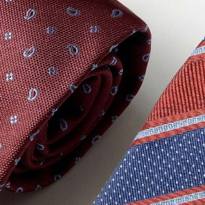 Andrew's Ties - Extralunga - Extra Long - Fondo Bordeaux - Bordeaux Background - Dettaglio - Detail