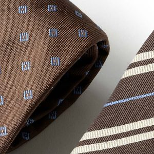 Andrew's Ties - Extralunga - Extra Long - Fondo Marrone - Brown Background - Dettaglio - Detail