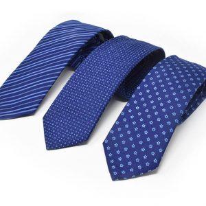 Andrew's Ties - cravatte jacquard sfondo blu chiaro - clear blue background jacquard ties - presentazione - presentation